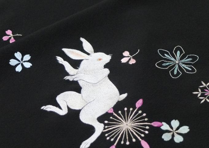 刺繍作家_飯島桃子「糸で描く」始まりました